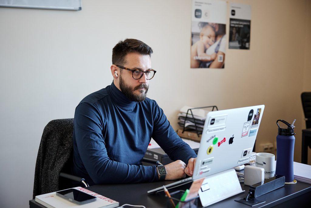 Руководитель по развитию электронных услуг в Минцифре Мстислав Баник