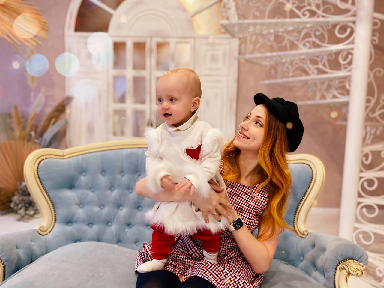 Оля Бородкина с дочкой Алисой. Фото из личного архива Оли