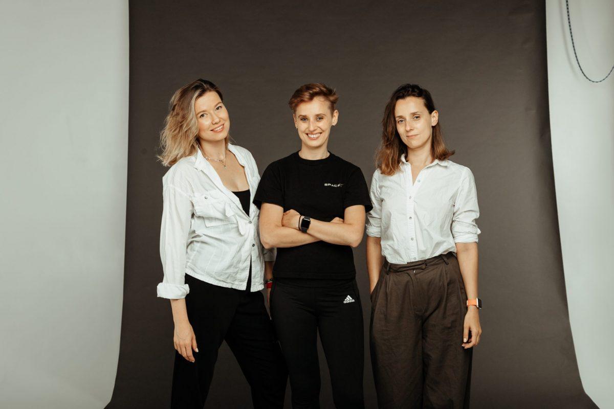 Основательницы WOD Insight. Слева направо: Вероника Корж, Анастасия Холодова, Таисия Холодова