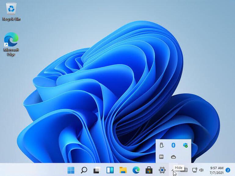 Панель задач содержит меньше настроек, чем в Windows 10