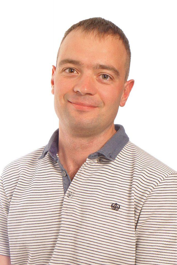 Вадим Кадыров. Преподаватель английского с опытом в разработке