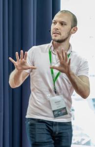 Нолан Лоусон на конференции