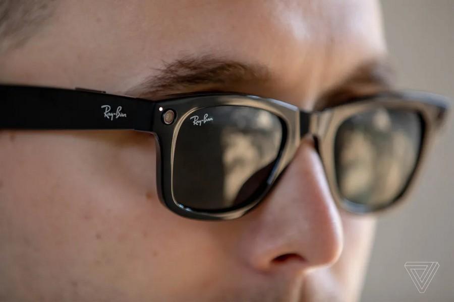 «Умные» очки Facebook