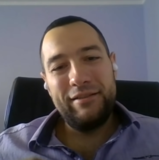 Родион, аналитик Скриншот из видео