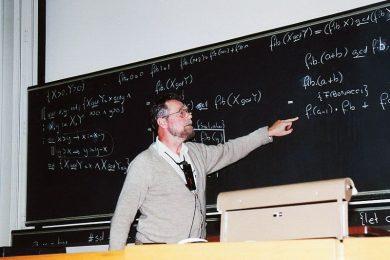 Эдсгер Дейкстра читает лекцию в 1968 году